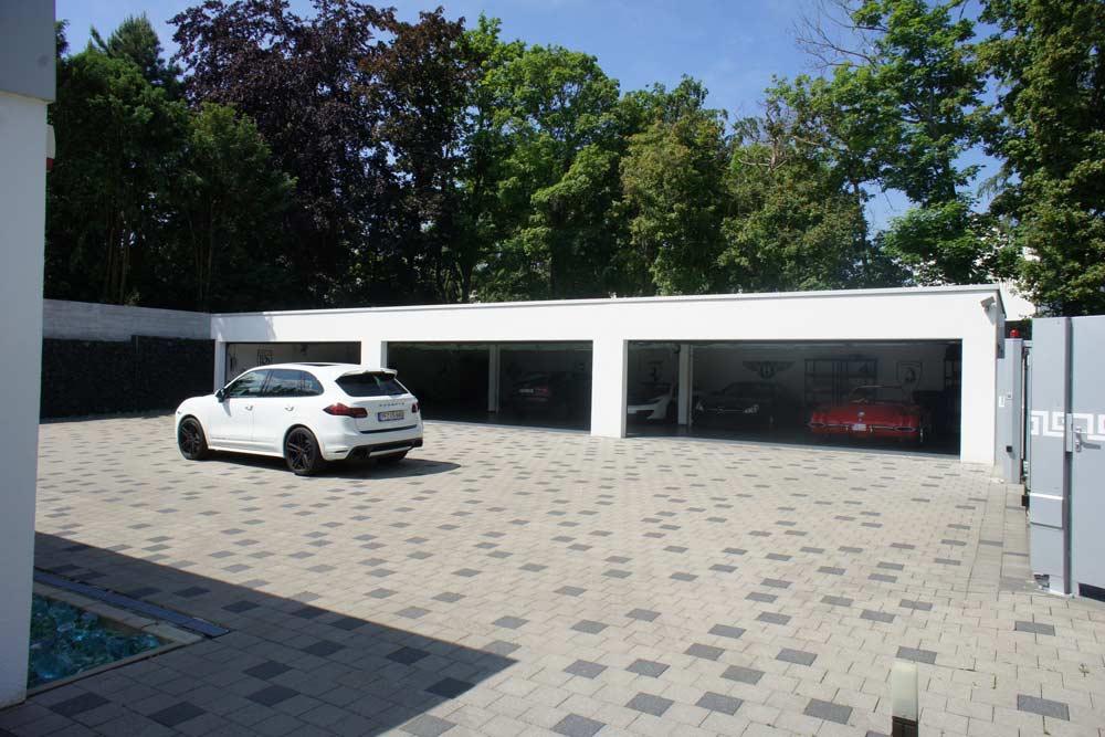 7-Garagenhof